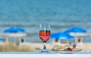 Óda na růžovou – růžové víno a klaret a jejich výroba a historie