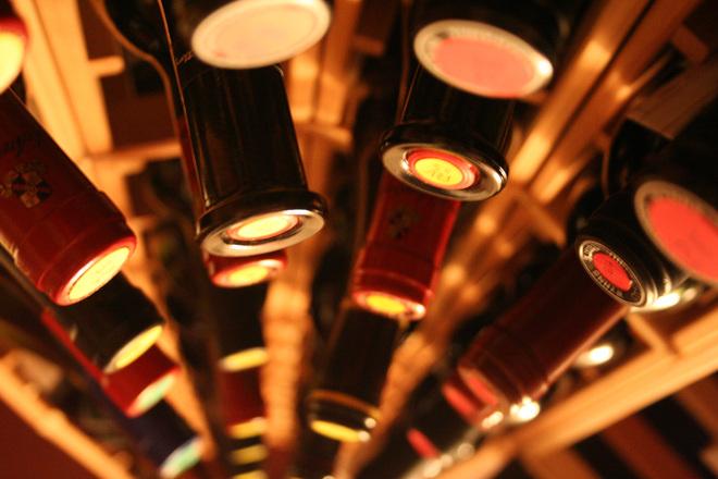 Inspekce dokáže odhalit zakázaná aromata ve víně