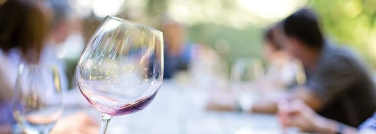 Investice do vína a whisky musí být především koníček, říká zakladatel jednoho z mála investičních fondů do alkoholu. Má to smysl, protože Česko zbohatlo