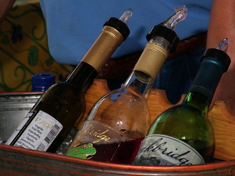 Každé víno potřebuje jinou teplotu, nekažte jeho chuť v lednici