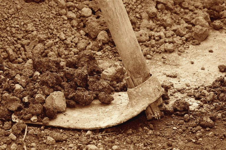 Znojemský vinař Vajčner nechává víno zrát v nádobách pod zemí