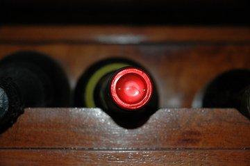 Potrpíte si na dobré víno? Pak by vám doma neměla chybět stylová domácí vinotéka